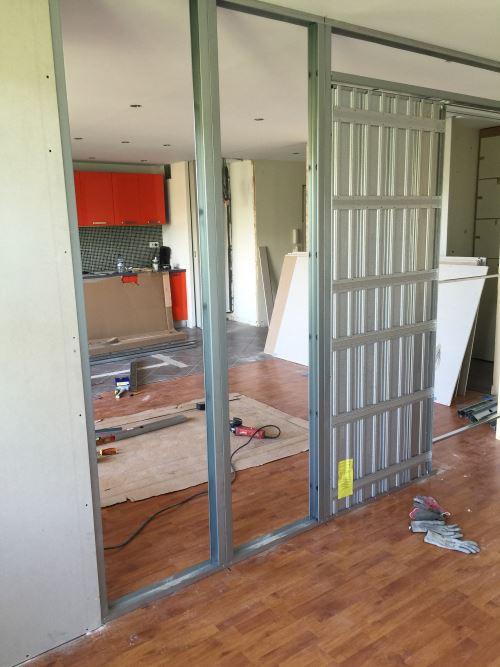 installation porte coulissante cloison interieur